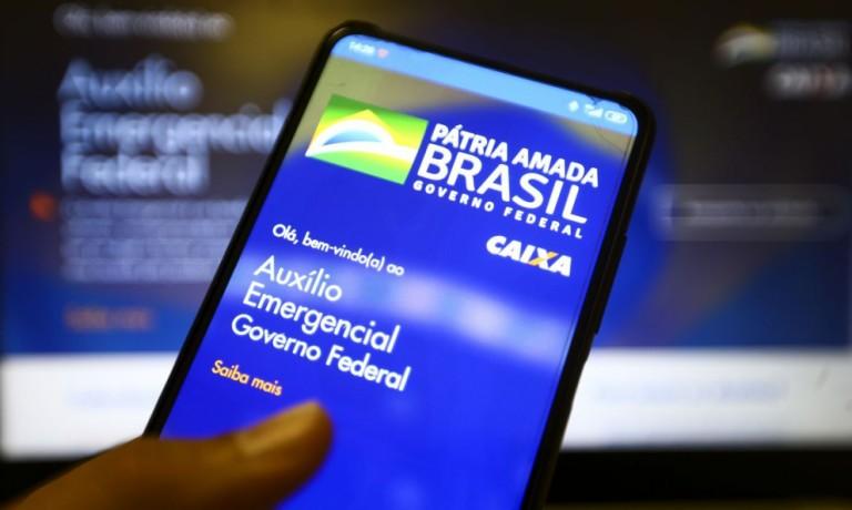 5,5 milhões de beneficiários deixaram de receber o Auxílio Emergencial no Paraná