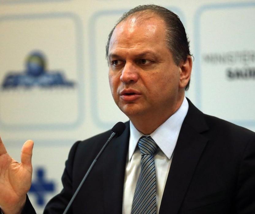 """""""Contratos devem ser suspensos para evitar prejuízo"""", diz deputado federal"""