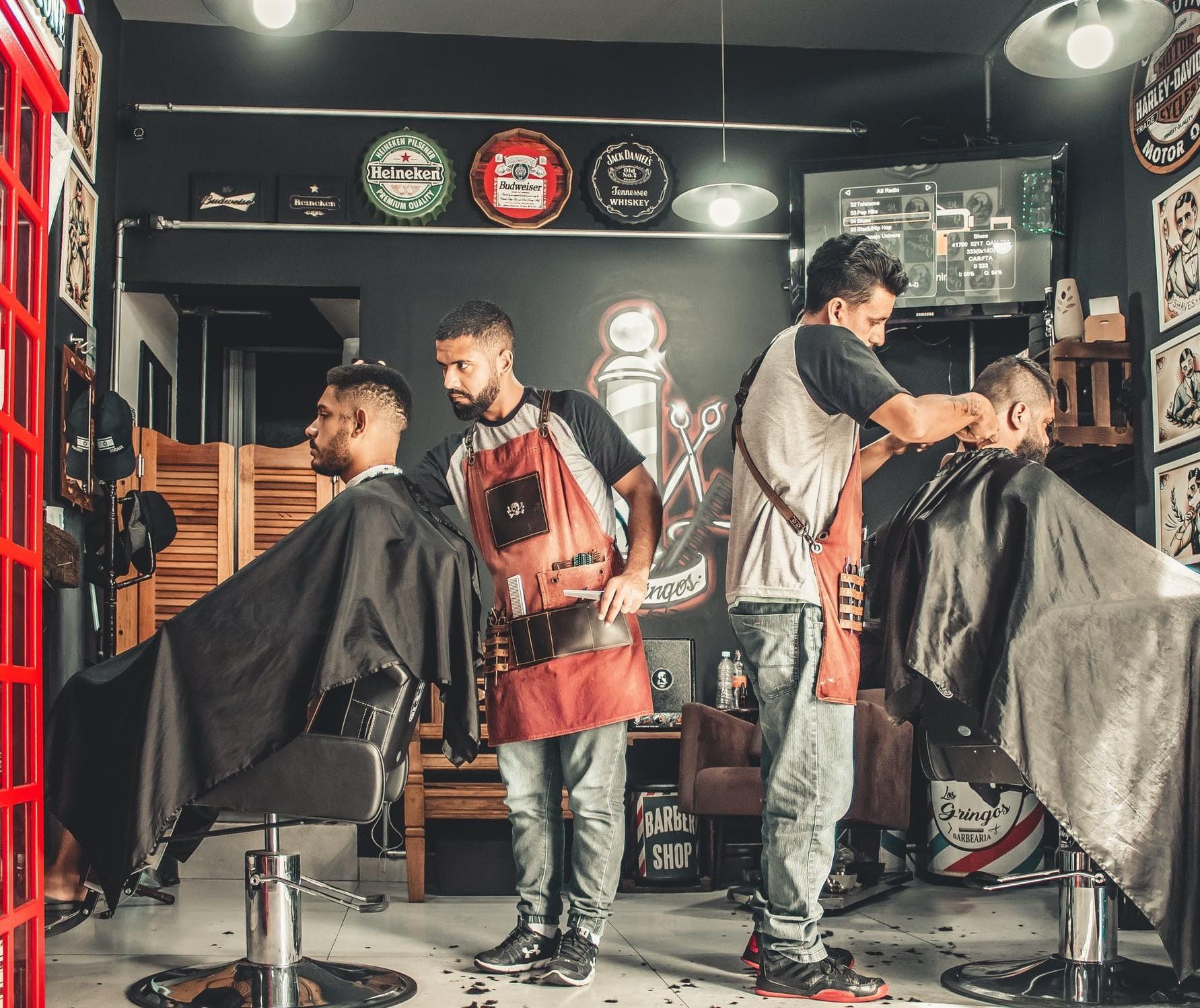Salões de beleza e barbearias devem reabrir quarta, diz Ulisses Maia
