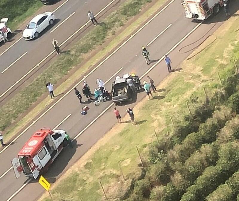 Motorista morre em acidente entre carro e caminhão na BR-376, em Cambira