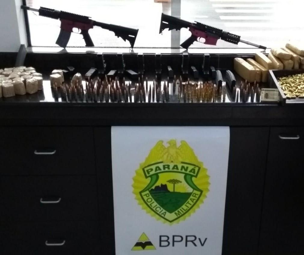 PRE apreende seis pistolas e dois fuzis na PR-323