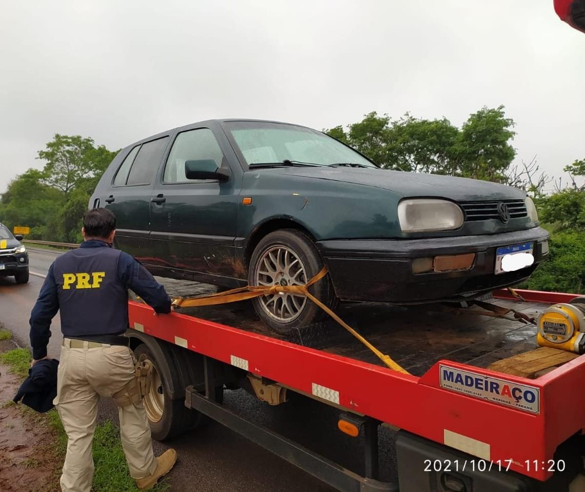 Carro com drogas era transportado em guincho para despistar a polícia