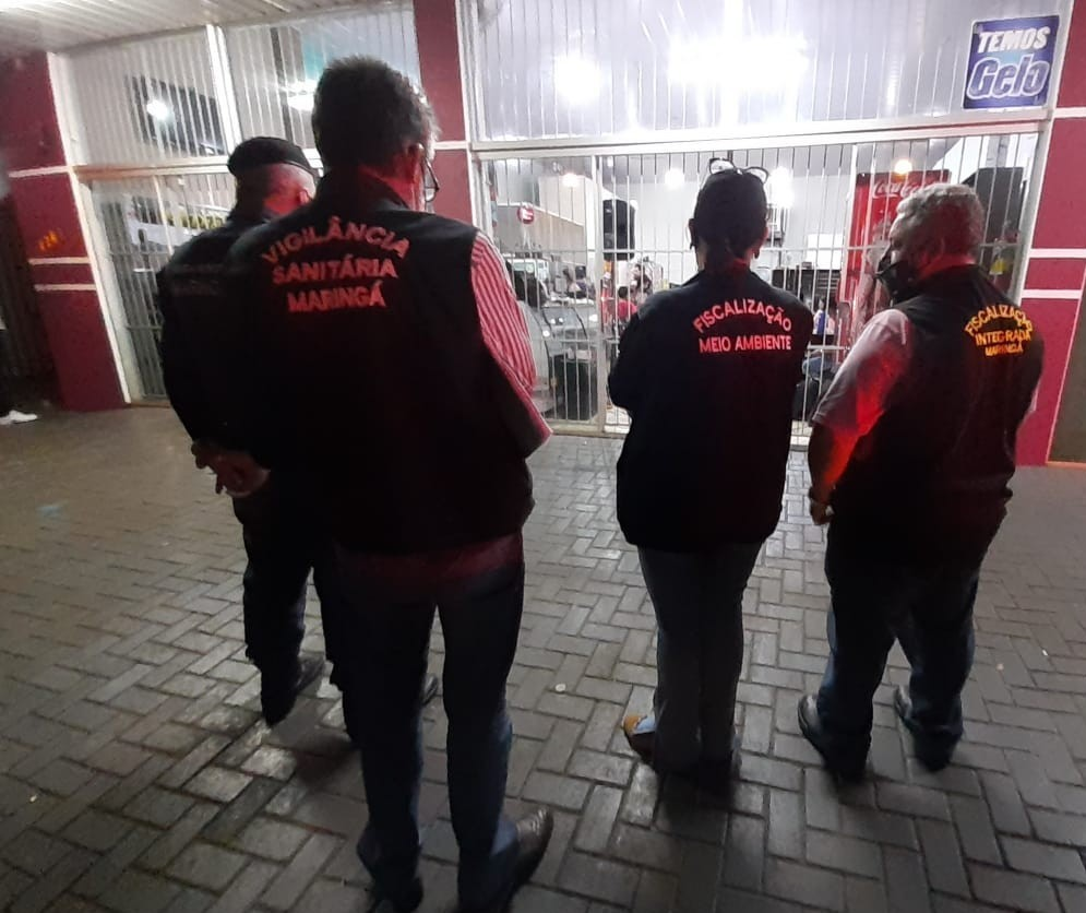 Fiscais flagram bar com show de banda na virada da noite em Maringá