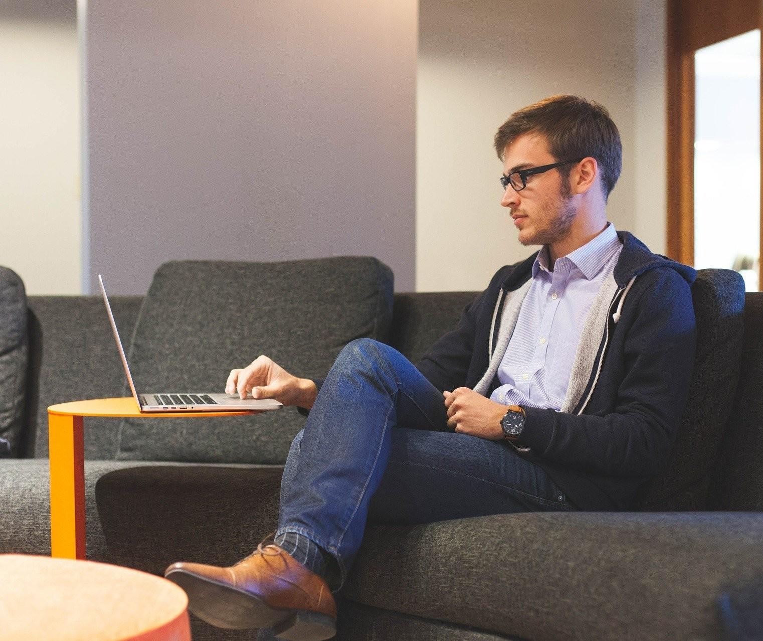 Home office exige cuidados com a saúde