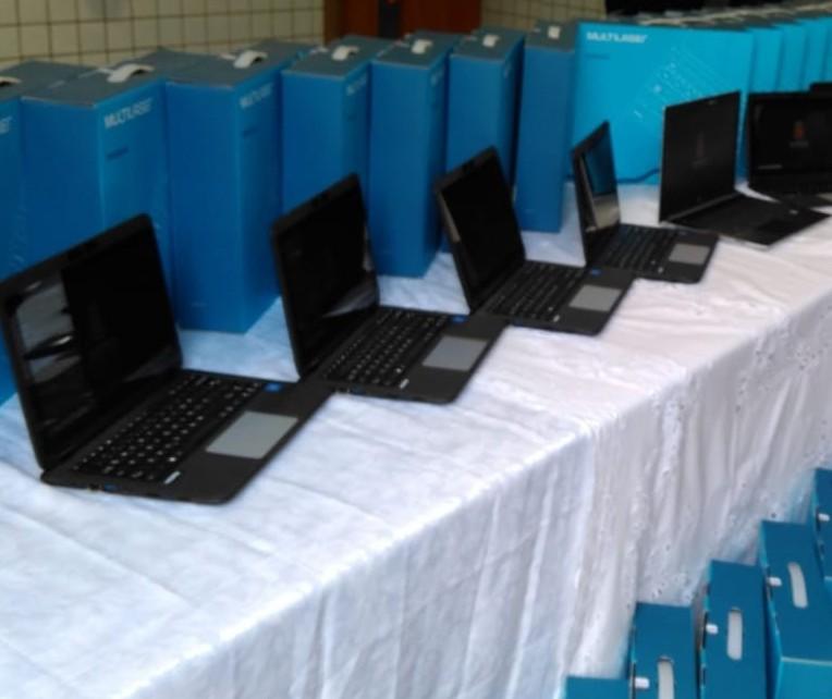 Entrega de notebooks para Educação é apenas simbólica em Maringá