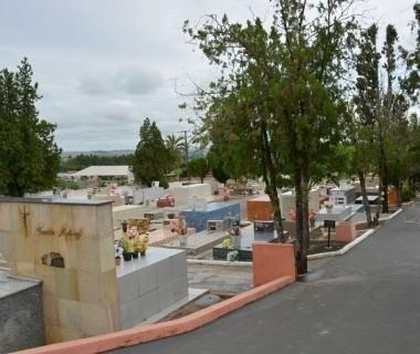 MP denuncia 15 pessoas por comércio ilegal de túmulos em cemitério do Paraná