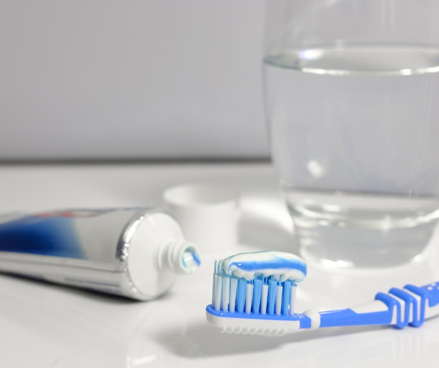 Pessoas do grupo de risco devem ter cuidado redobrado com a higiene bucal