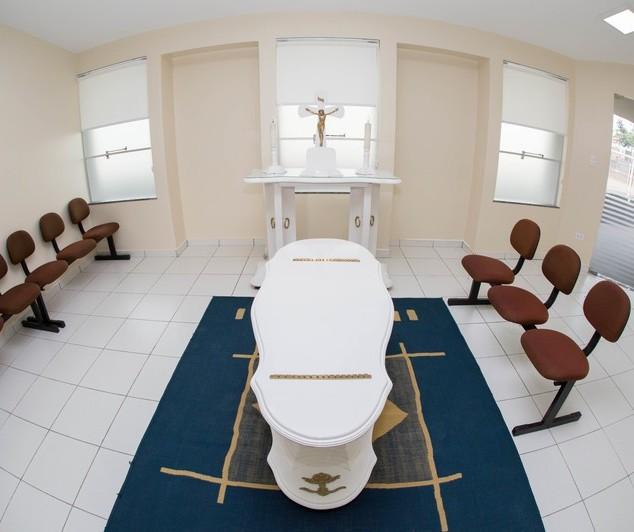 Velórios em Maringá poderão ter apenas 10 visitantes por sala