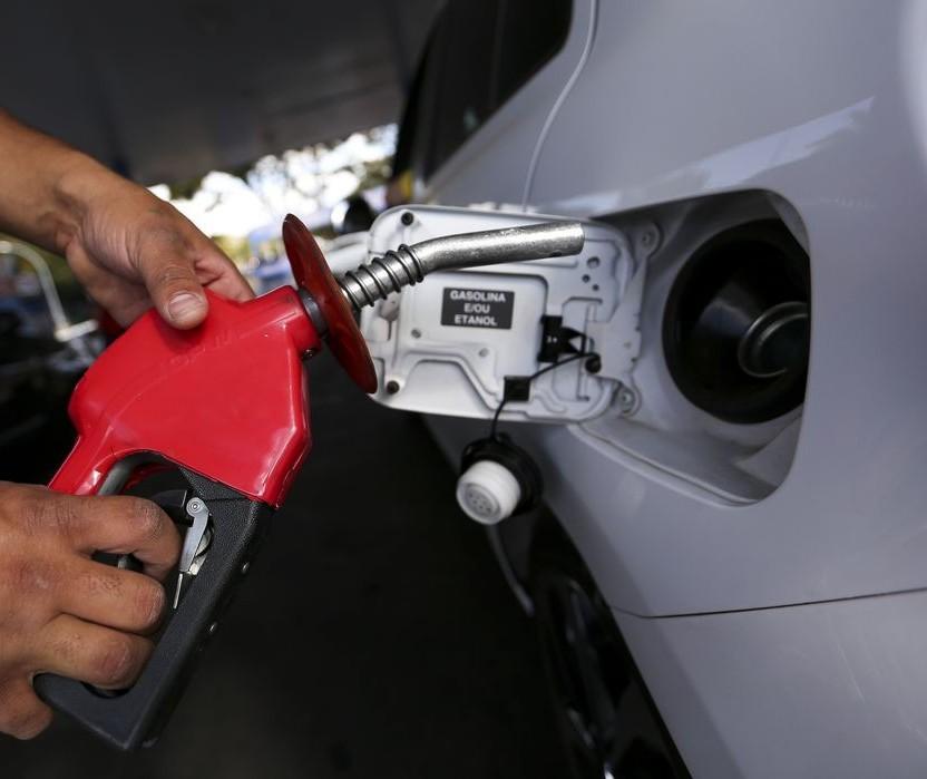 Projeto que congela o ICMS sobre combustíveis por dois anos chega ao Senado