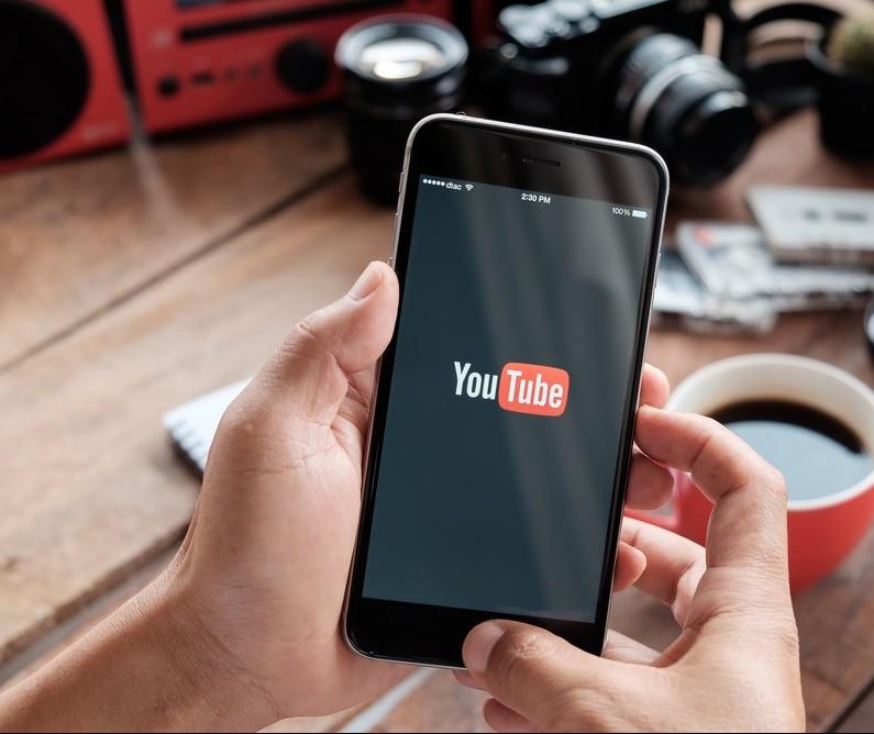 Cresce o número de pessoas que assistem vídeos on-line
