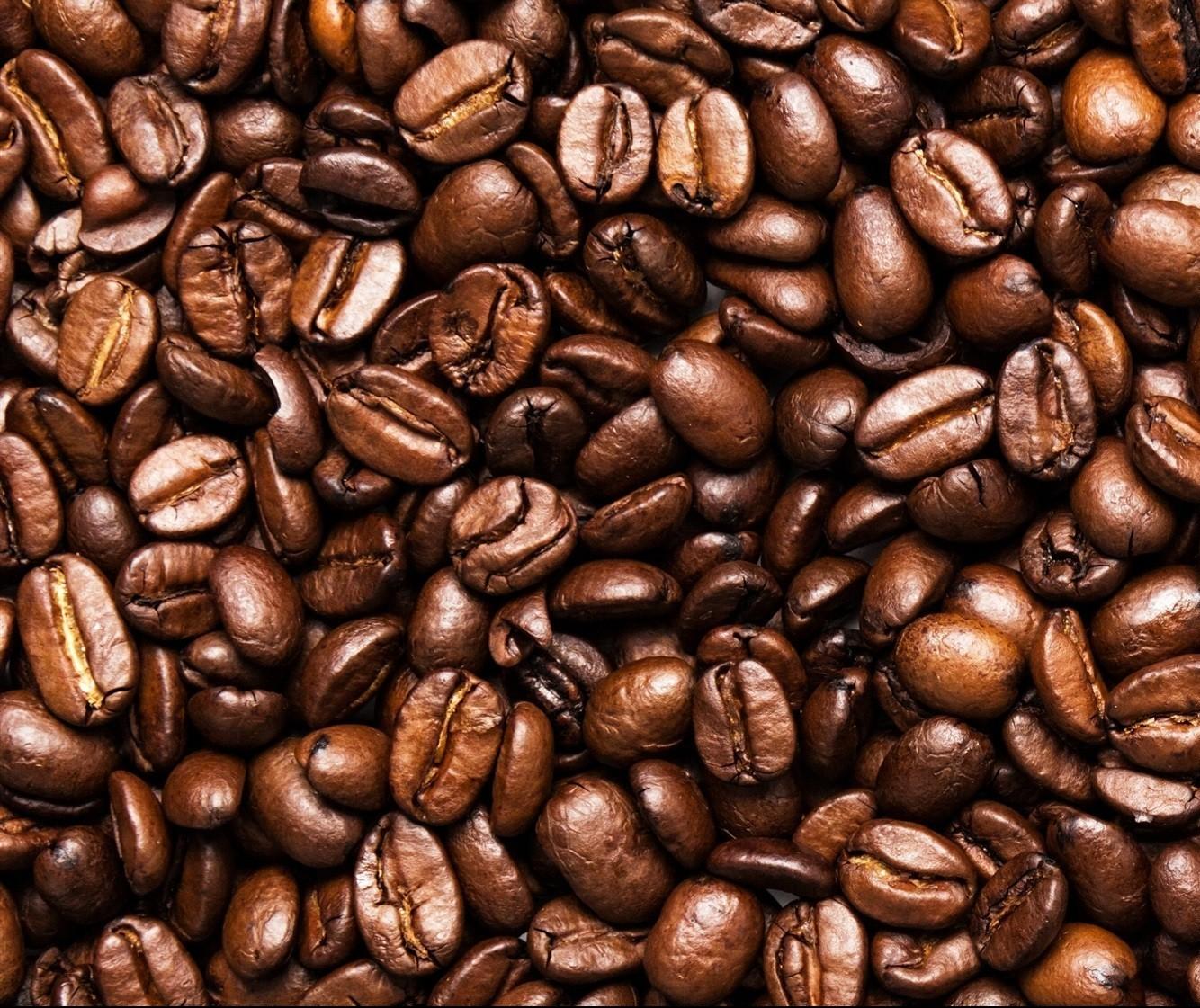 Café em coco custa R$ 7 o quilo em Maringá