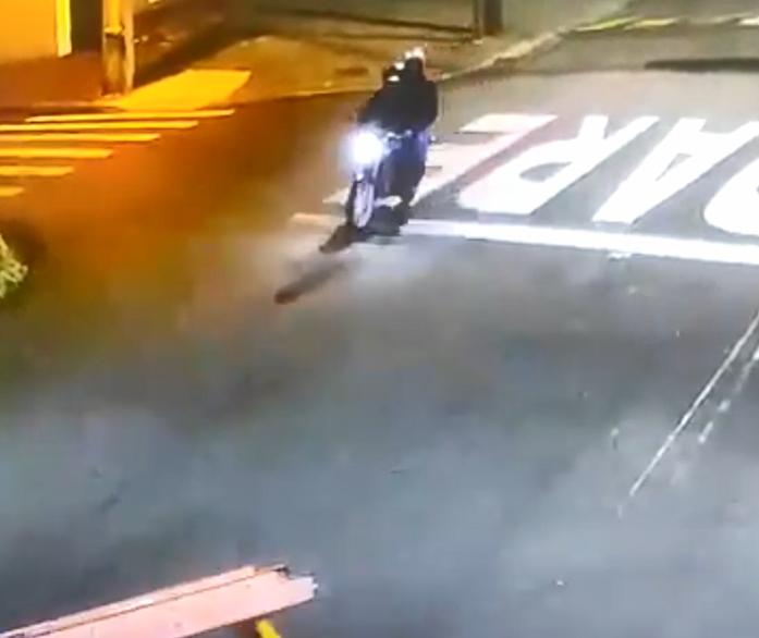 Policia divulga imagens de assalto a posto de combustíveis em Mandaguaçu