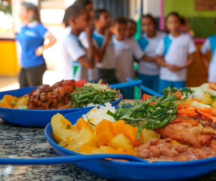 Alimentação escolar é vital e uma conquista nacional