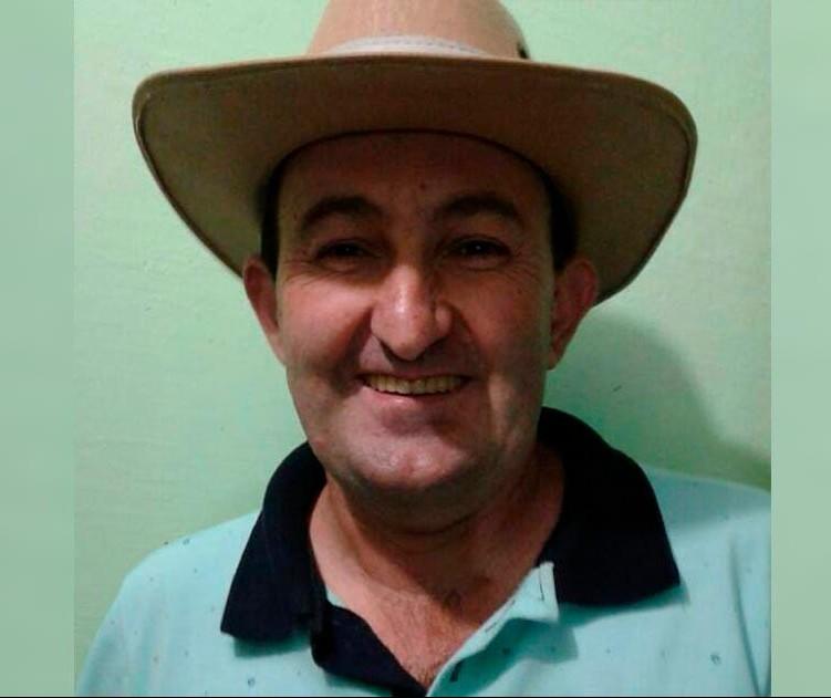 Homem de 45 anos morre após carro colidir contra árvore, em Mandaguaçu
