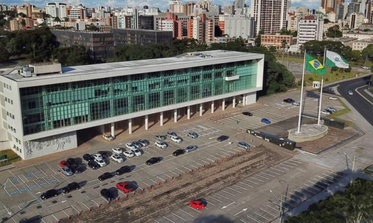 Em novo decreto, medidas restritivas no Paraná são prorrogadas até 15 de abril