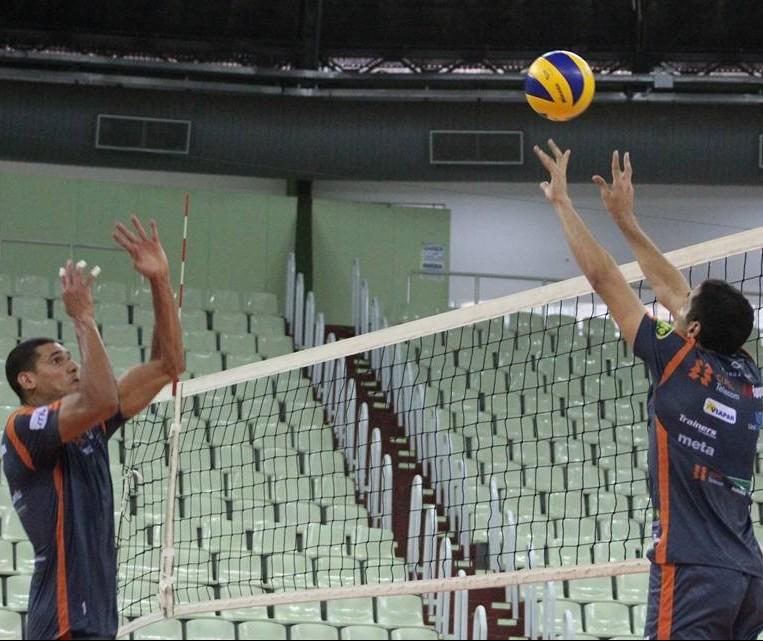 Copel Maringá se prepara para pegar Sesi pela Superliga Masculina de Vôlei