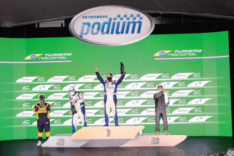 Maringaenses dominam o pódio da 1ª classificação do campeonato Turismo Nacional