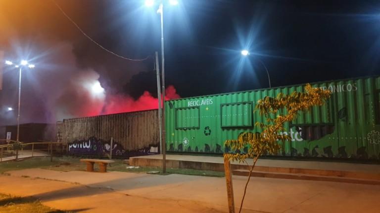 Incêndio em ecoponto de Maringá pode ter sido criminoso