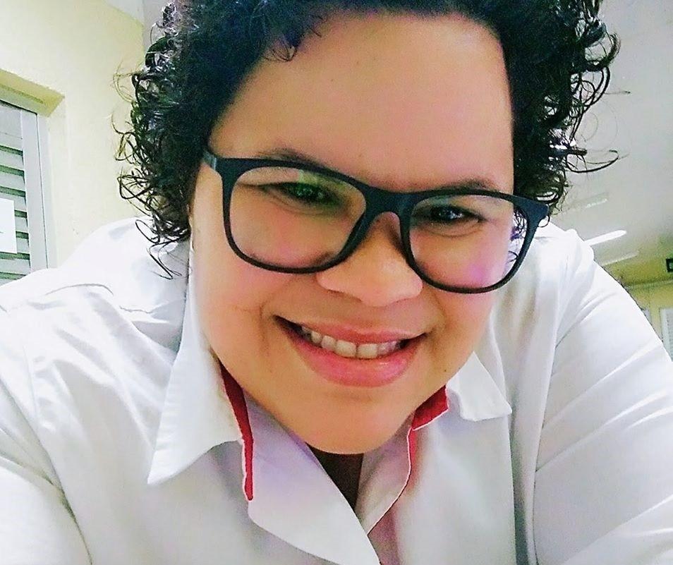 Após bater carro contra árvore, mulher morre no hospital em Maringá