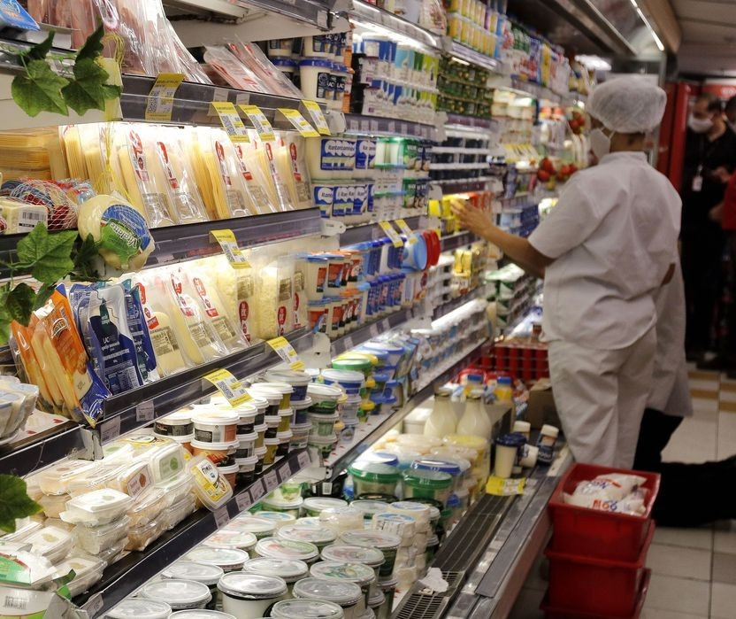 Liminar autoriza rede de supermercados a abrir aos domingos e feriados