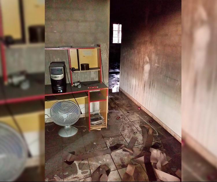 Casa é incendiada após furto