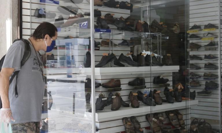 Vendas no varejo caem, mas economia apresenta desempenho animador em janeiro