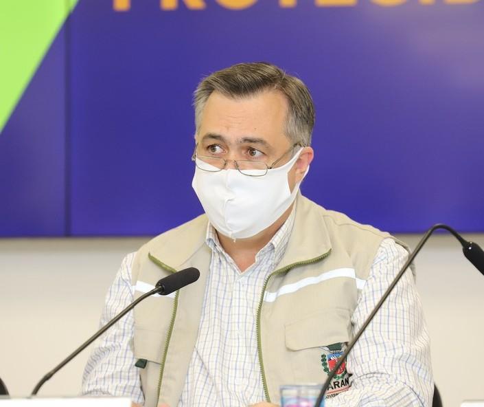 """""""Estamos convivendo com mais variantes e sublinhagens de variantes"""", diz secretário Beto Preto"""