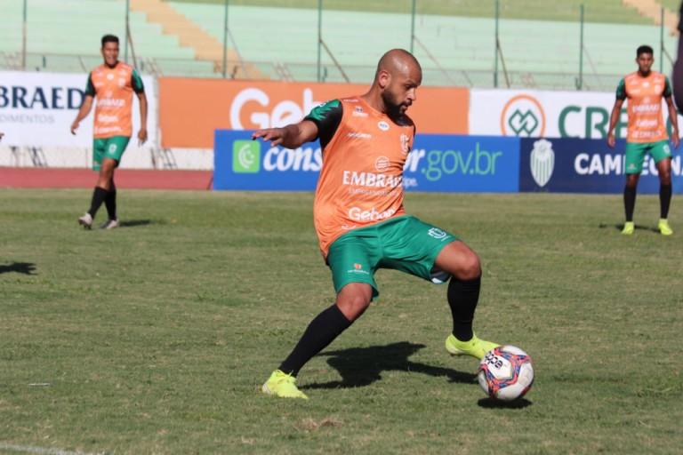 Após primeira vitória no estadual, Maringá FC enfrenta o Athletico Paranaense, na Arena da Baixada