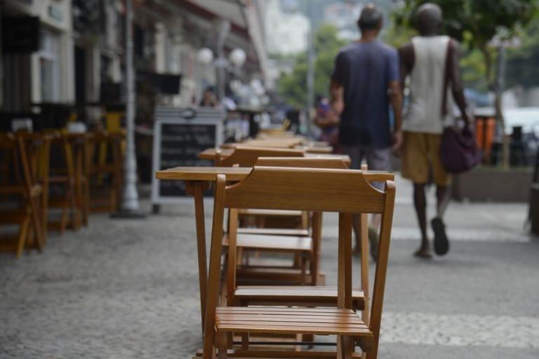 Donos de bares se reúnem após anúncio do prefeito Ulisses Maia