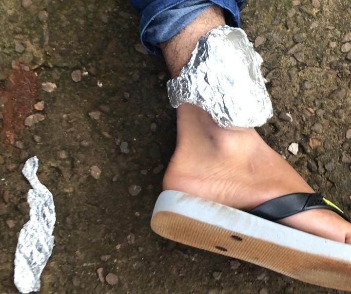 Suspeito cobre tornozeleira eletrônica com papel alumínio mas é preso