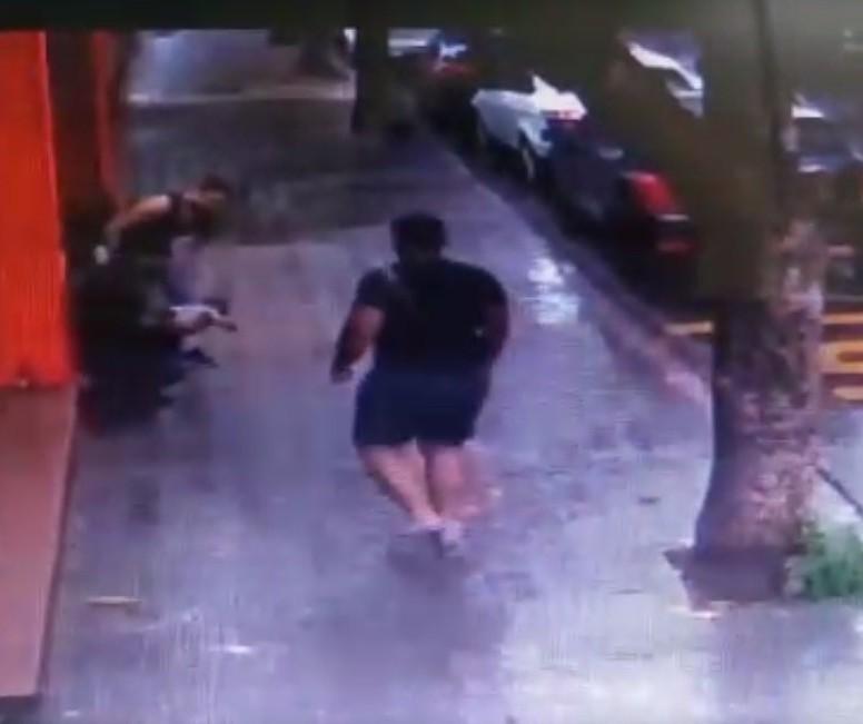 Câmera de segurança flagra bebê engasgado sendo salvo em Marialva; veja o vídeo