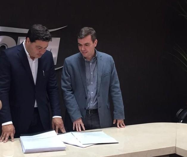 Projeto para licitar PR-317 é entregue ao Governo do Paraná