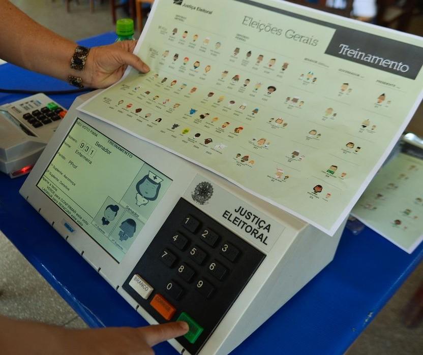 Maringá: 92,61% das urnas apuradas. Ulisses Maia reeleito com 56,82% dos votos