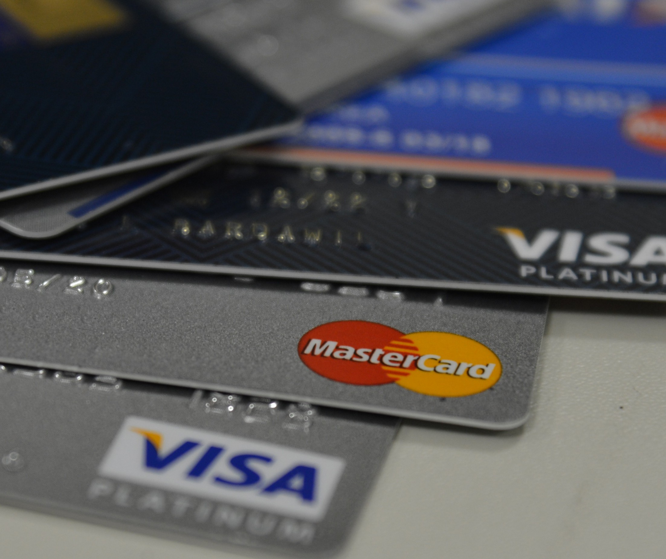 Como adiar o pagamento da fatura de cartão de crédito?