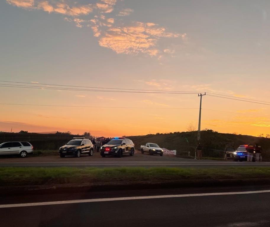 Moradores relatam o drama com o fechamento da estrada Terra Roxa