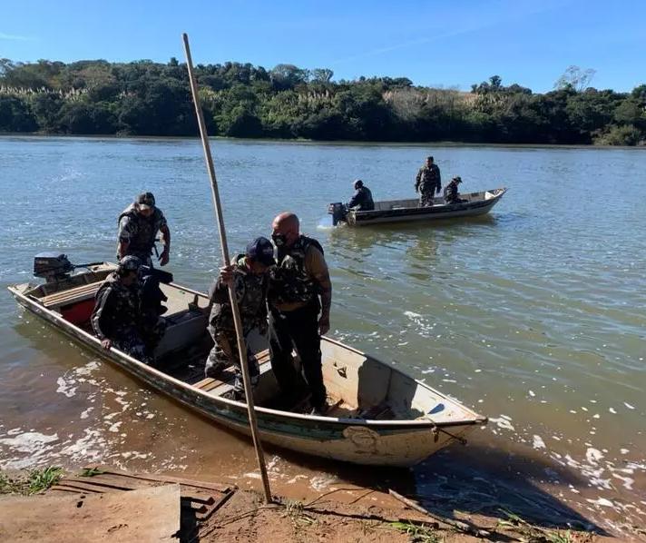 Morador de Maringá e filhos de 4 e 9 anos estão entre os desaparecidos no Rio Ivaí