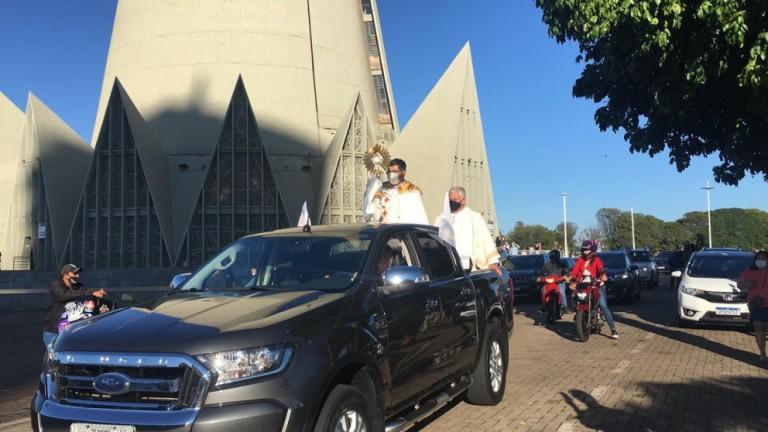 Carreata com o Altíssimo celebra Corpus Christi em Maringá