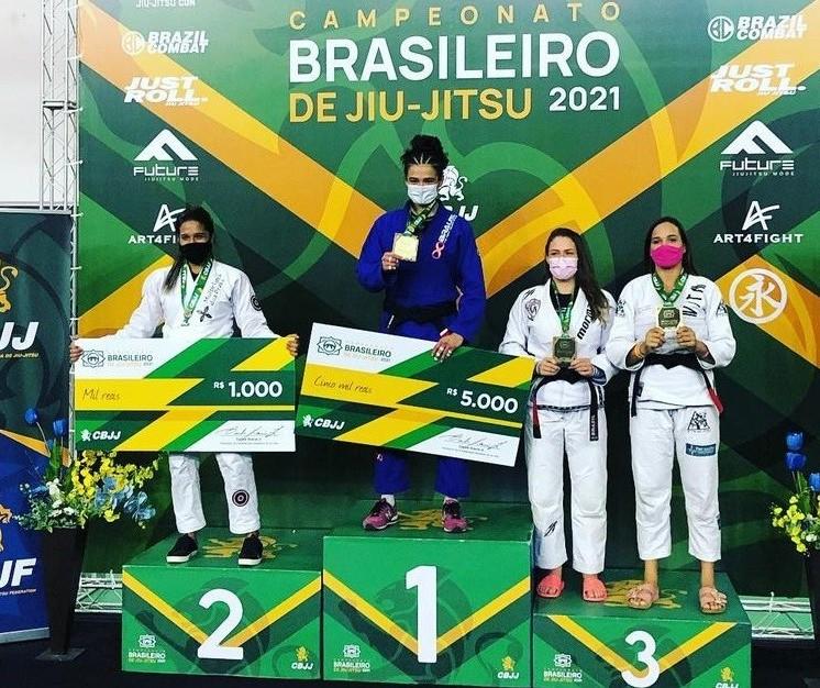Atletas maringaenses conquistam ouro no Campeonato Brasileiro de Jiu-Jitsu