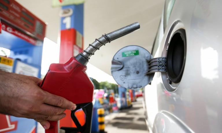 Procon encontra indícios de irregularidades em postos de combustíveis de Maringá