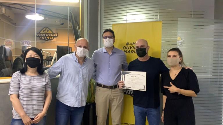 Maringá FM recebe Menção Honrosa da Alep pelos 40 anos no ar
