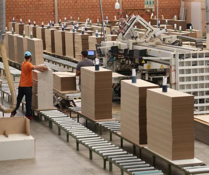 Produção industrial do Paraná volta aos níveis pré-pandemia
