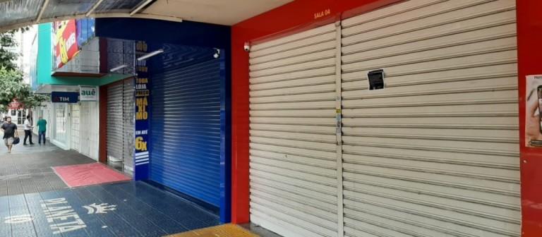 Comerciantes questionam o fechamento do comércio em Maringá enquanto cidades da região seguem o decreto estadual