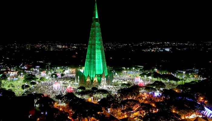 Três empresas vencem duas licitações para o Natal de Maringá