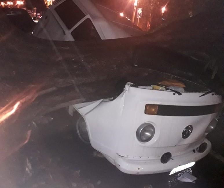Formação de ciclone causa estragos em Maringá e outras cidades do PR