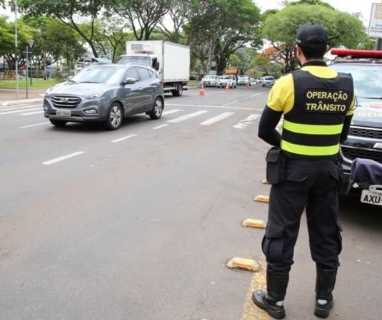 Motorista diz que levou multa de agente de trânsito num lugar onde não esteve