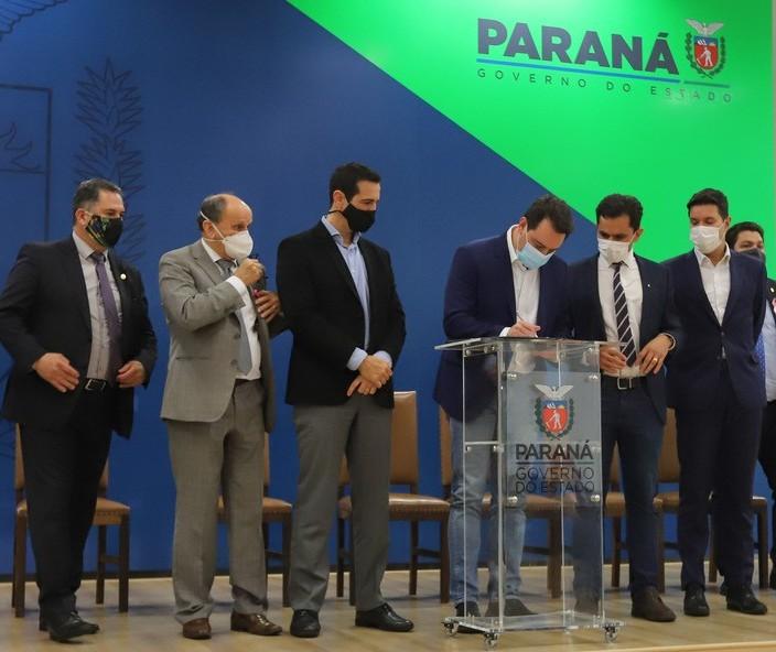 Lei que permite optar por educação domiciliar é sancionada no Paraná