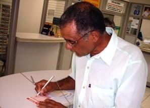Movimento intenso nas lotéricas de Maringá neste sábado, dia de Mega- Sena acumulada