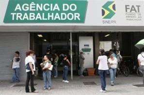Procura por seguro desemprego na Agência do Trabalhador em Maringá caiu 30%