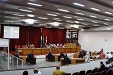 """Vereadores assinam projeto e revogação dos """"supersalários"""" pode ser votada nesta quinta-feira"""
