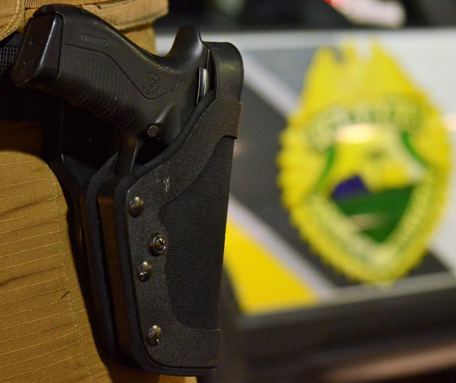 Suspeito de homicídio morre em confronto com a polícia